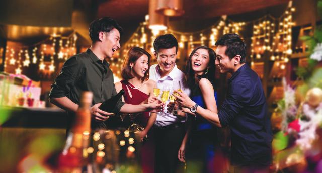 新云南皇冠假日酒店:炫酷英伦摇滚夜 嗨爆你的圣诞节